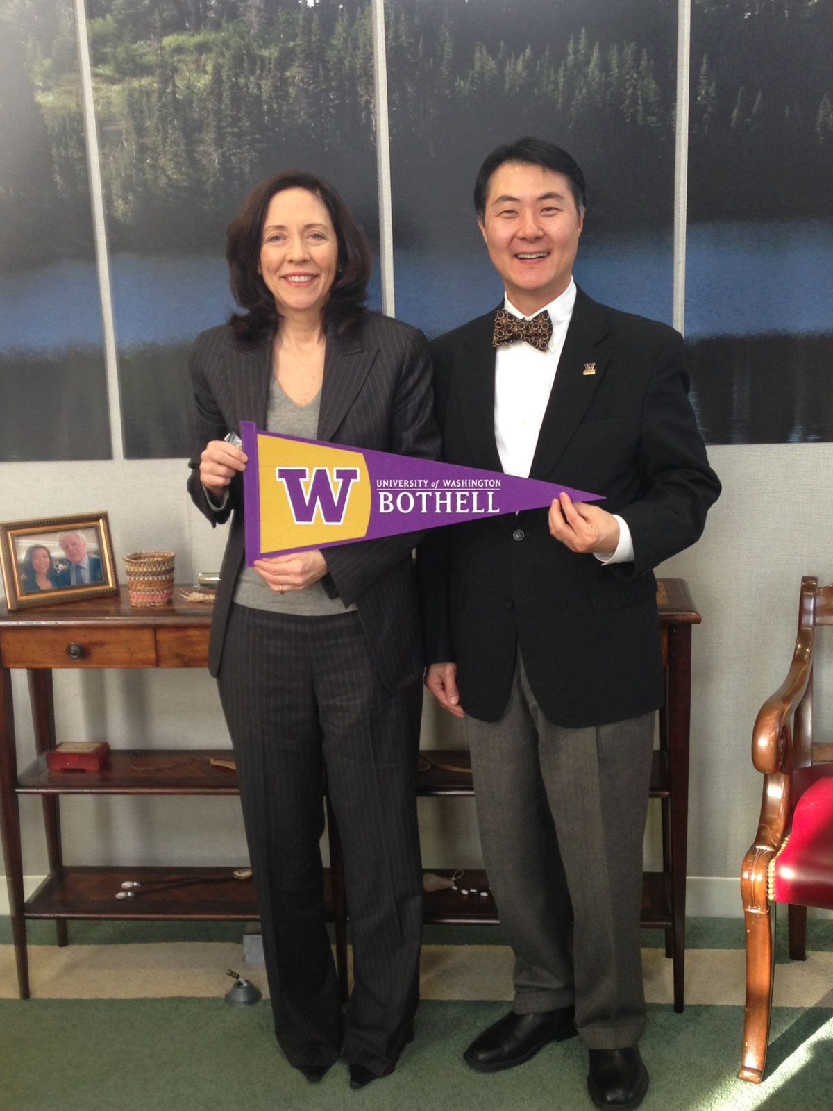Senator Maria Cantwell with Chancellor Wolf Yeigh