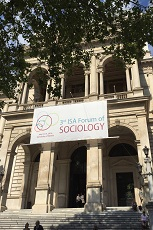 photo of Uiversity of Vienna with conference banner
