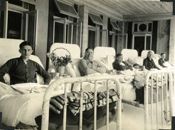 TB patients at Firland sanatorium circa 1930